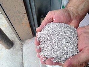 Granular Bentonite: Sodium Bentonite Grout Distributor
